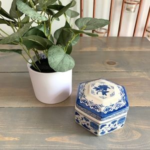 Vintage Small Blue and White Floral Lidded Box